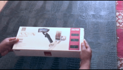 Zhiyun Smooth 4 Unboxing And Footage Test.