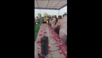 PM मोदी को महिला ने अच्छा बताया तो कांग्रेस नेता ने वापस लिया राशन