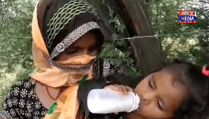 बड़ों के साथ बच्चे भी पैदल तय कर रहे हैं सफ़र, मासूम बच्चों की हाय ले रही है मोदी सरकार