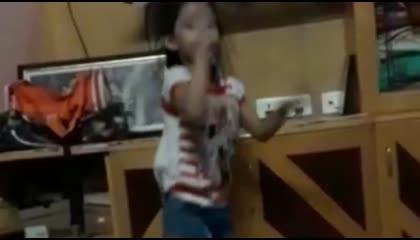 SWEET LITTLE GIRL DANCING VIDEO