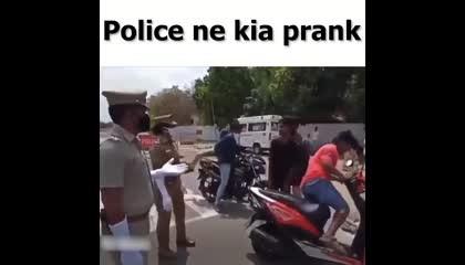 Police ne kiya Prank 🤣🤣🤣