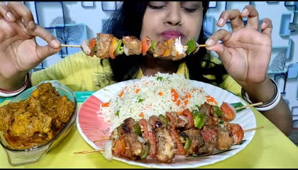 eating chicken Satay chicken curry and fired rice.. mukbang asmr