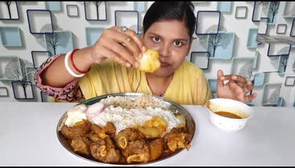 mutton curry, butter naan and rice eating show