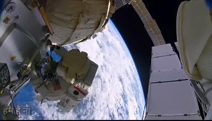 अंतरिक्ष मे वैज्ञानिक के सूट खुला तो देखे क्या हुआ