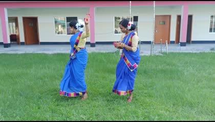 Pyar Holo Pyar Holo Lage Mor  Champa  Zubeen Garg  Dance cover by Shipra Minjee and Baby Kujur