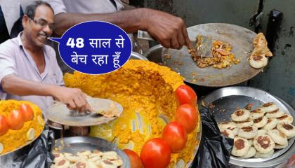 Hard Working Old Man Selling Aloo Tikki Samosa Ghugni Chaat  Tawa Samosa Chaat  Street Food