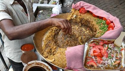 Very Famous Masala Ghugni Chaat  Tasty & Spicy Ghugni Chaat Street of Kolkata  Indian Street Food