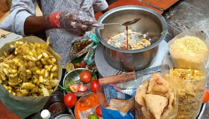 Famous Jhal Muri  Chanachur Mixture Masala Muri Chaat  Jhal Muri Chanachur Mixture - Street Food