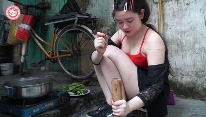 pick vegetables with beautiful girl, shorts, cute girl cooking