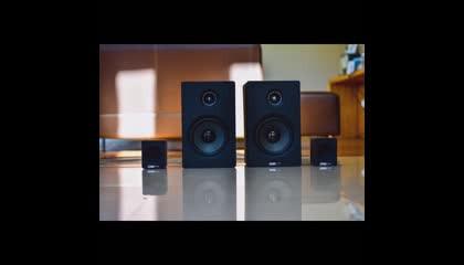 Speaker ka color black kyu hota hai?