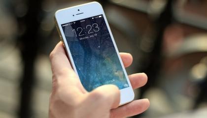 Apple ने फिल्मों में विलन को I phone use करने से मना क्यों किया है?