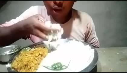 Rais and kadhu racsa Sabji VllaegDesi stayl food eating